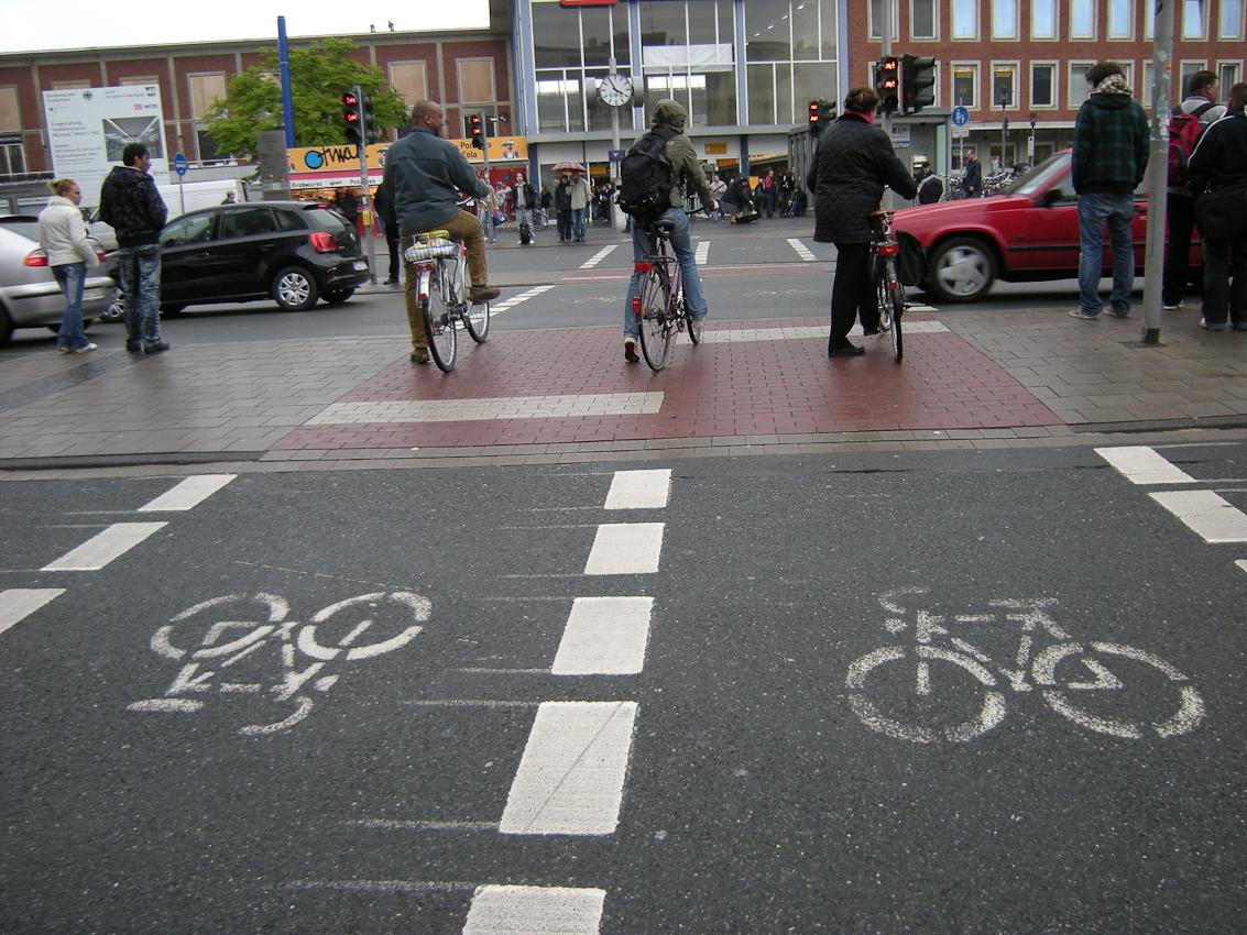 Münster ist due deutsche Hauptstadt der Radfahrer, hier eine Ansicht vor dem Hauptbahnhof
