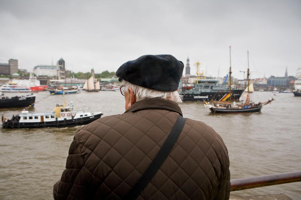 Germany, Deutschland, Hamburg, Hamburger Hafen, Sankt Pauli, Hafengeburtstag 2010, Einlaufparade, 07,05,2010, suedliches Elbufer, Stadtpanorama, maritim,