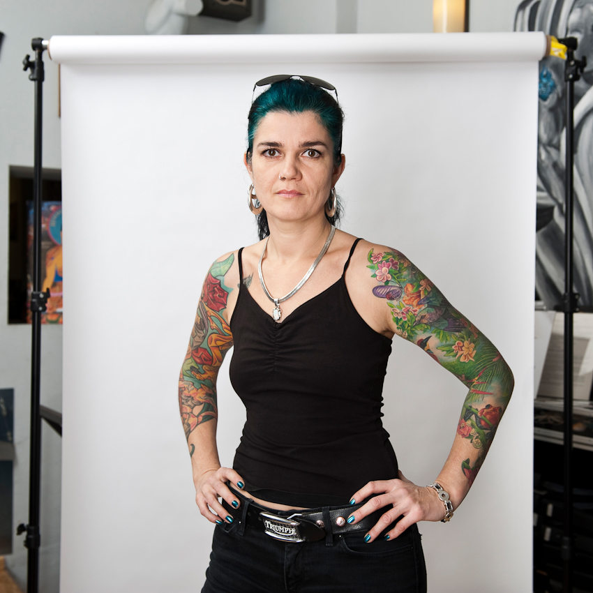 """Ein Tag im AllStyle Tattoo-Studio in Berlin-Friedrichshain. Miss Nico (40), Betreiberin des Studios: """"Tätowieren ist für mich eine Form des Kunst-Ausübens."""""""