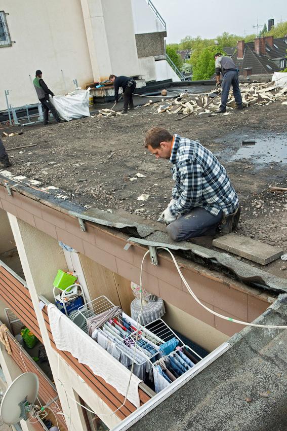 Erneuerung des Flachdachs eines Mehrfamilienhauses in Essen-Altendorf.