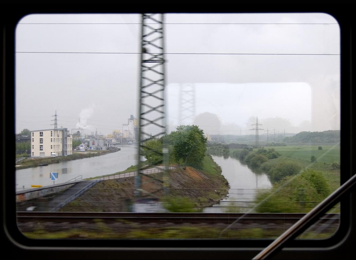 Blick aus dem Zugfenster um 17.48 Uhr. Die Lippe bei Hamm.