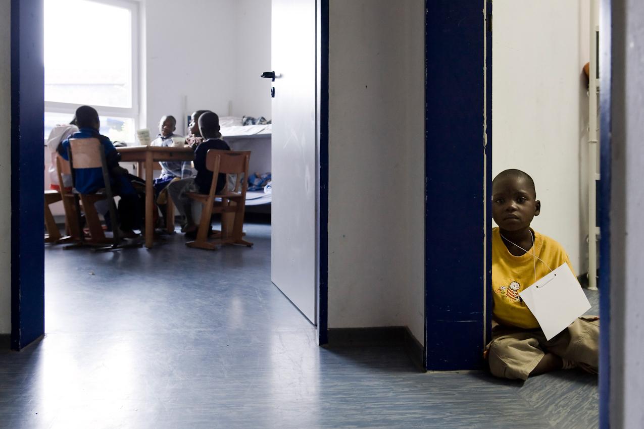 Die meisten Kinder gewöhnen sich sehr schnell an die neue Umgebung. Doch so manches Kind weiß nicht, wie ihm geschieht und wird noch einige Tage brauchen, bis es sich eingelebt hat.